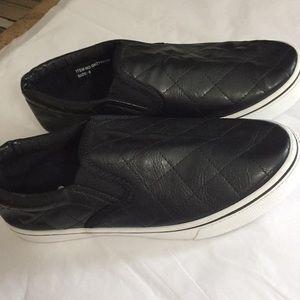 7 Color black  tennis shoes size 8